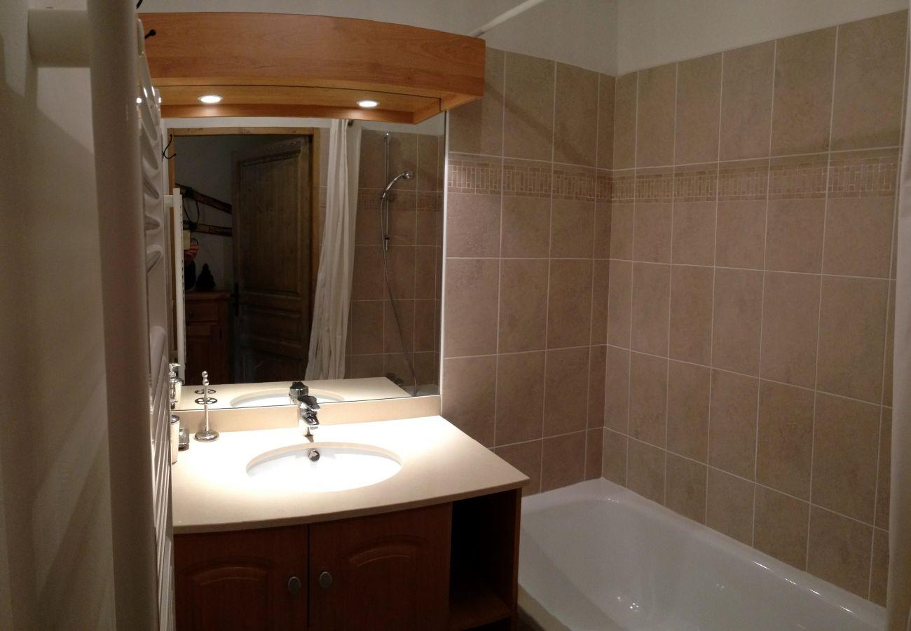 Apartment in Prapoutel - C101 - 60 m2 - 3P+Cab - 6/8 pers