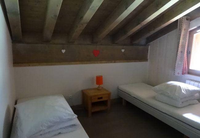 Apartment in Prapoutel - D303 - Appartement de 80 m2 pour 8/11 personnes